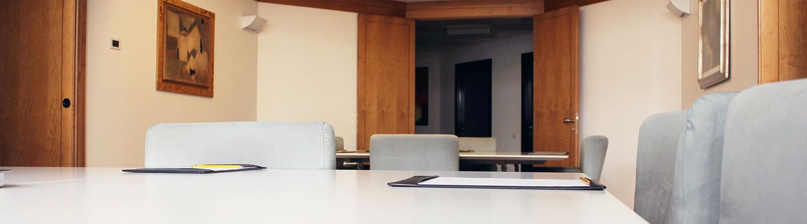 Tavolo riunioni